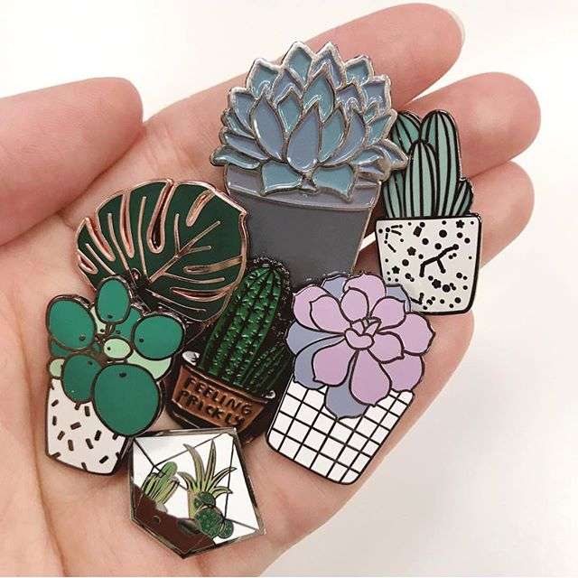 Hayley @alphabetbags smashes it again with an epic customer snap of FOUR of my little planty pins amongst great company! These guys have been SO popular this week! All those fellow plant lovers out there 💘💘💘