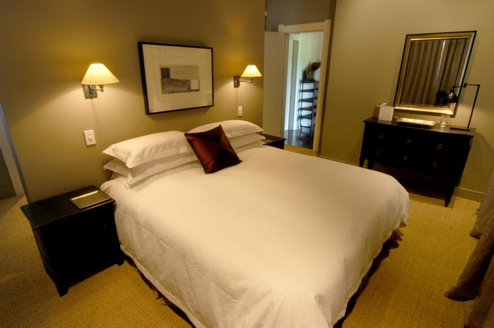 Lodge_4_Bedroom.jpg