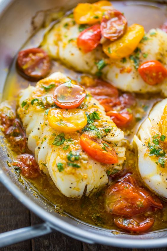 Pan-Seared-Cod-in-White-Wine-Tomato-Basil-Sauce.jpg