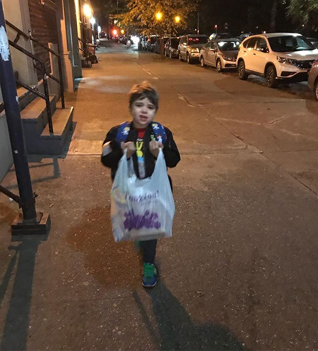 "I made him carry a bag of groceries home. ""But my hands are cold! DO YOU WANT ME TO DIE?!"" #reasonsmykidiscrying"
