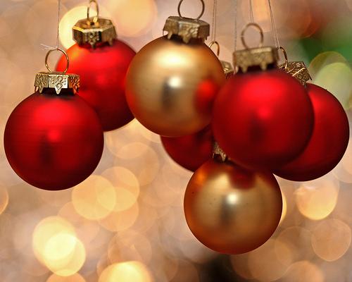 11-12-12 untangleing christmas.jpg