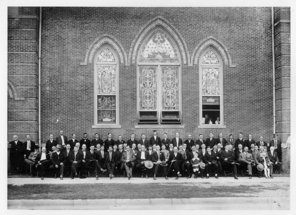 Men's SS 1905 church.jpg