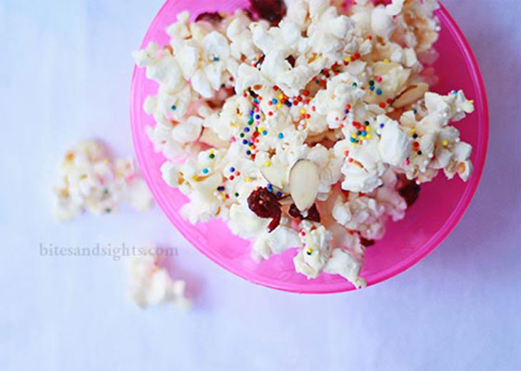 white chocolateand cranberry party popcorn