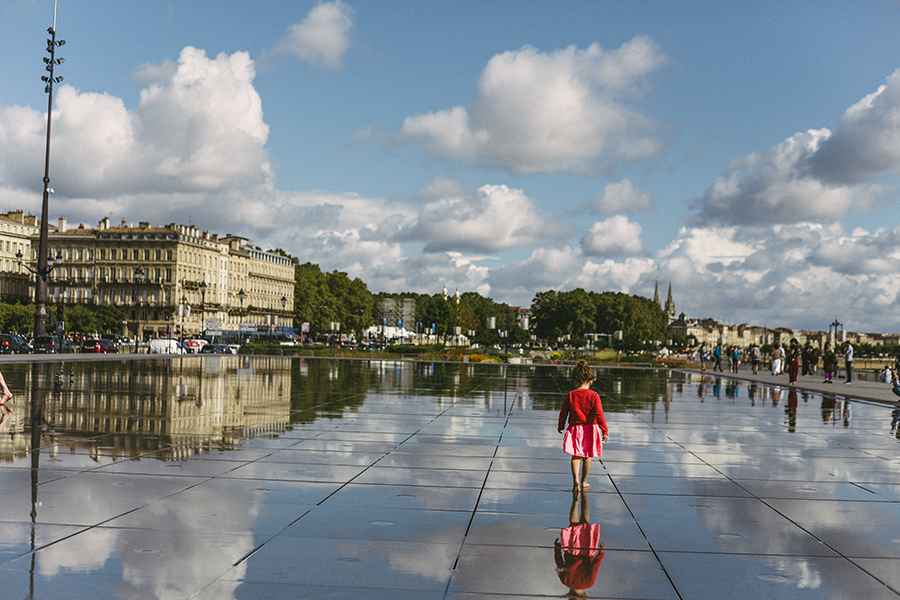 WEB LeQuire Photo Bordeaux 2016 Laura a walk in the clouds.jpg