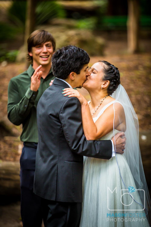 bride and groom kissing| san francisco wedding photography