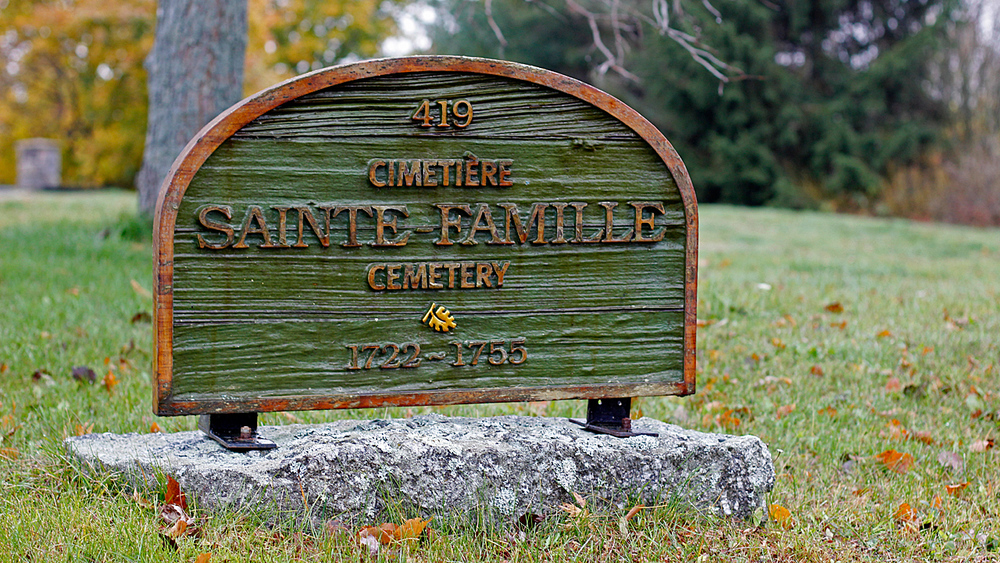 02_Falmouth_Cemetery_Sign.jpg