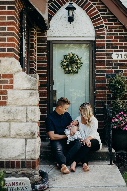 20170826_Kansas City Newborn & Family Photos - Kolarik_43.jpg