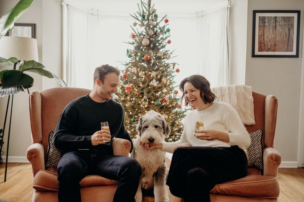 20181202_ChristmasCouplePhotographer_AliHapperPhoto_5.jpg