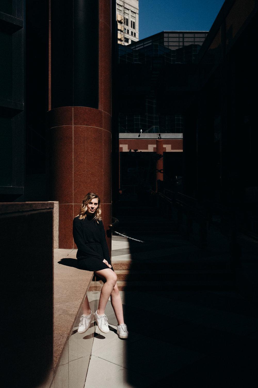 20190317_LifestyleSeniorPhotos_UrbanPortrait_9.jpg
