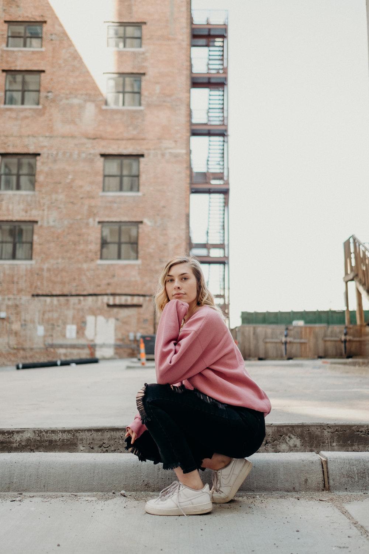 20190317_LifestyleSeniorPhotos_UrbanPortrait_31.jpg
