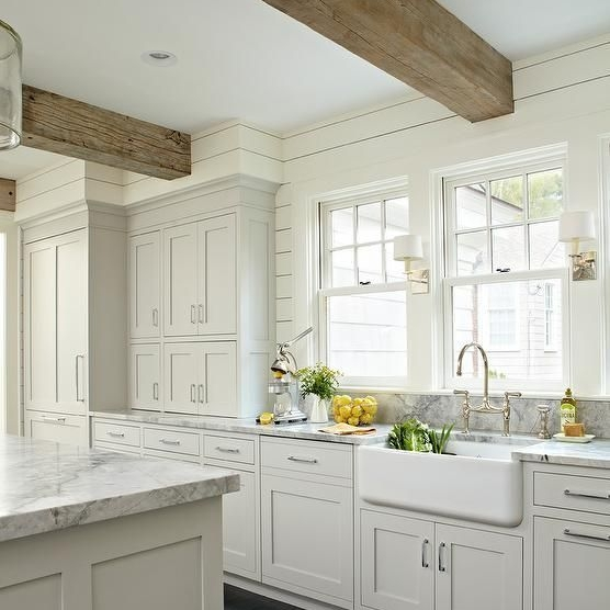 cfc8fdb84370bac5d25ae528a87ce337--grey-and-white-farmhouse-kitchen-gray-and-white-kitchen-ideas.jpg