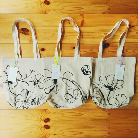 3 VARIATIONS OF COSMOS: TOTES FOR TORONTO FLOWER MARKET