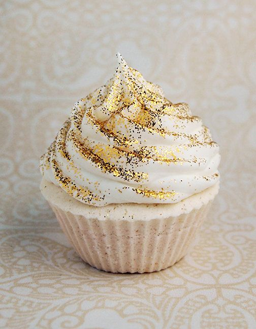 gold cupcakes gatsby cupcakes.jpg