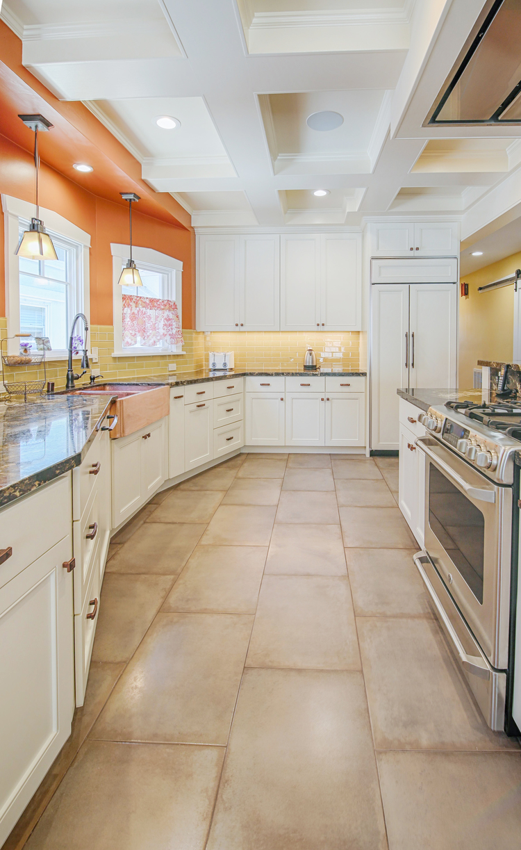 Alameda White Kitchen 5 — Artisan Home Builders