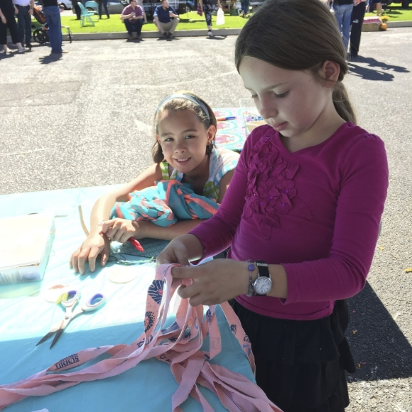 Sew You Studio | Helpers at the Horseshoe Fall Market
