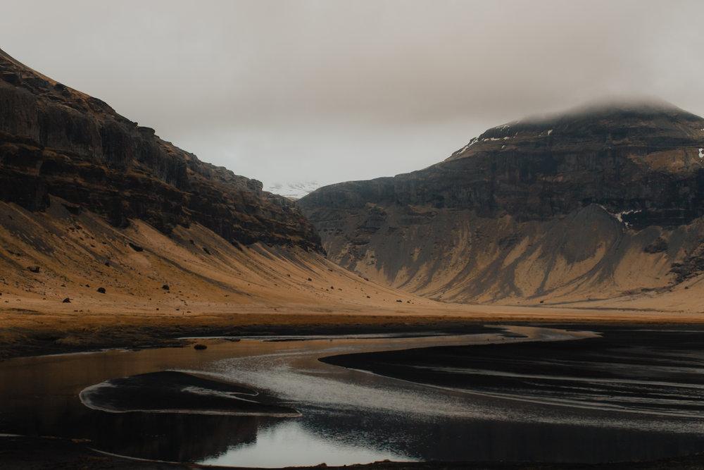 Margaret & Frankie - Iceland-8191.jpg
