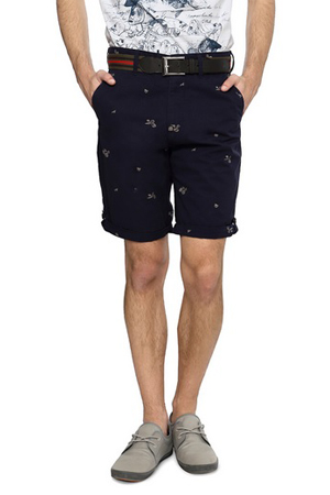 Navy printed shorts and white polo neck t-shirt is the right way to say you prefer style with class.