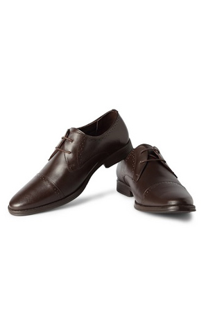 Grey suits, navy suits or olive ones, this brown lace-ups is all you need to team up with.