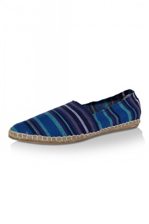 Extremely comfortable and colorful, this Espadrilles are for those men who experiment with their attire.