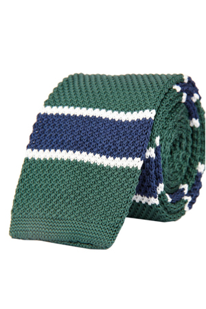 This blue and green knitted tie is for the one's who prefer style with an edge. Looks smart on denim shirts too.