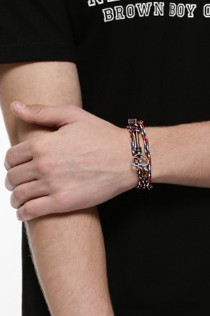 Colorful yet subtle, this stylish Rio-style bracelet with a Key hook will add glam to those music festivals.