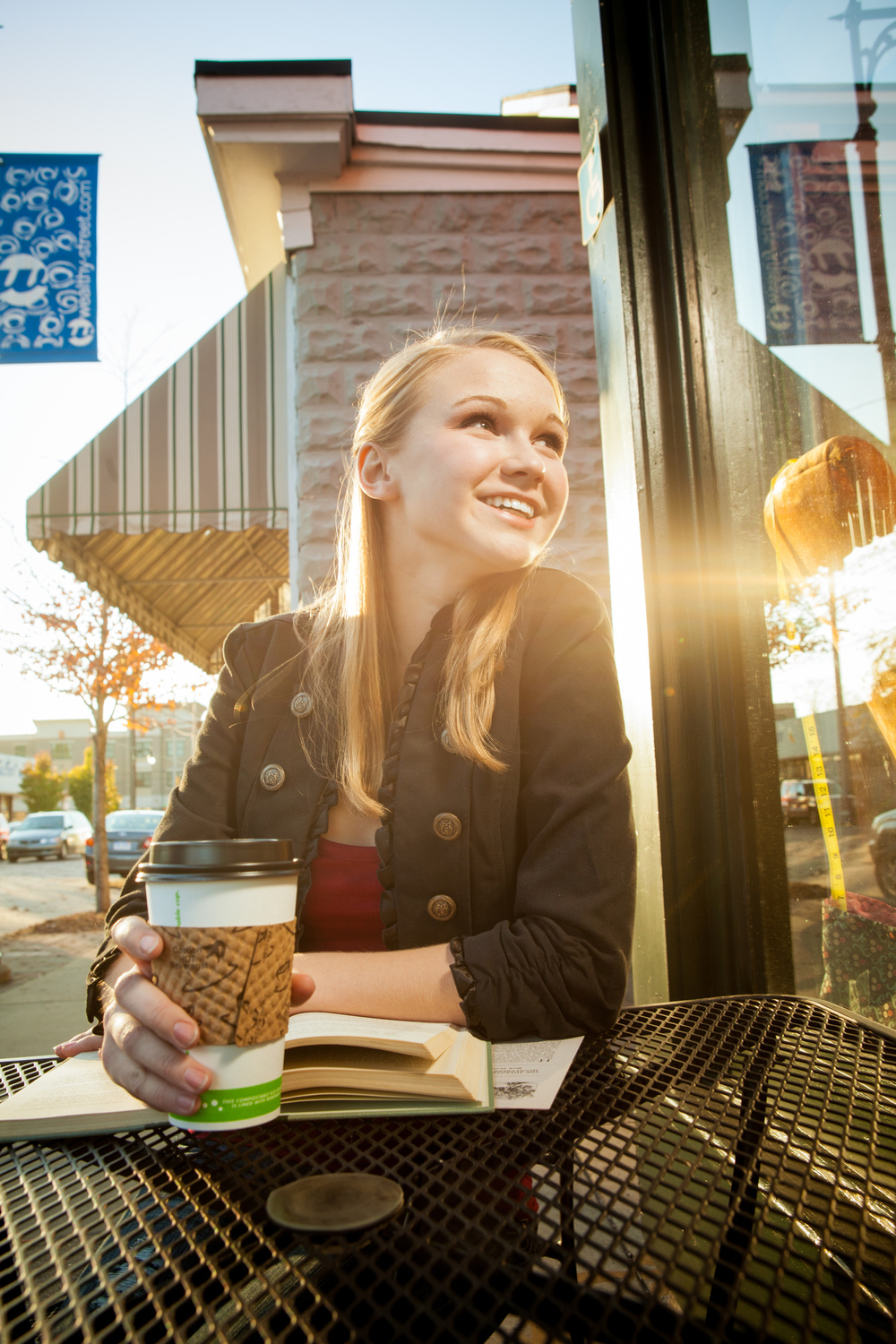 outdoor portrait at a coffee shop