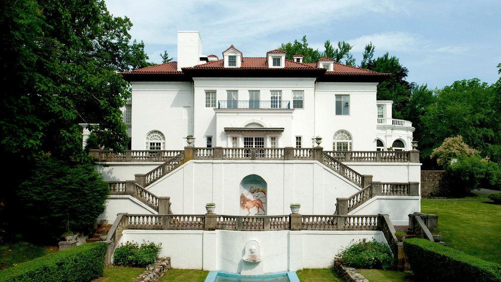 https://savingplaces.org/places/villa-lewaro-madam-c-j-walker-estate#.WpbaD-jwaUk