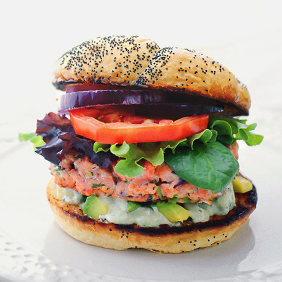 SALMON BURGER WITH AVOCADO AILOI