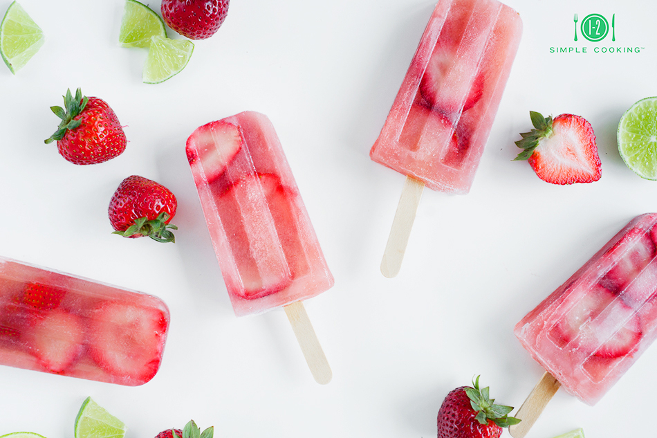 strawberry limeade popsicles-1.jpg