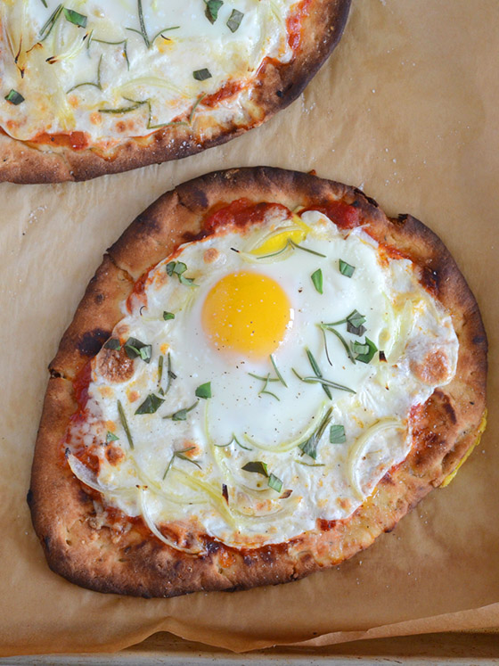 naan-breakfast-pizza-2