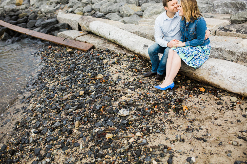 rachel-and-matt_brooklyn-waterfront-engagement-nyc-17-2.jpg