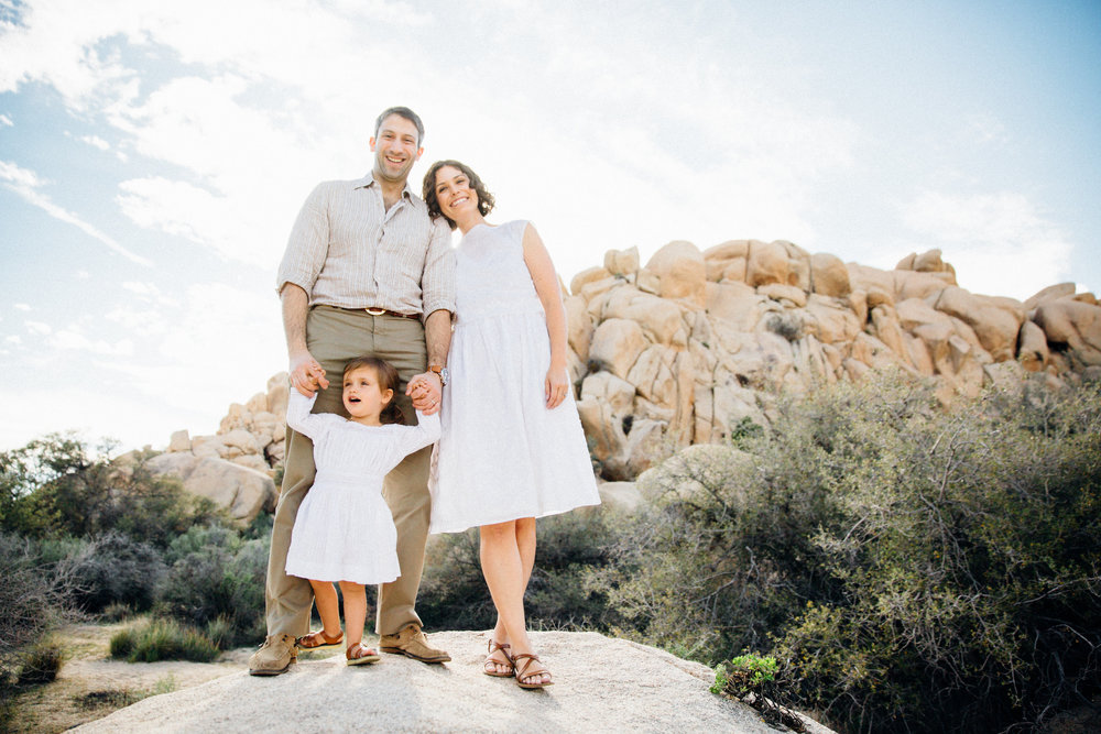 joshua-tree_california_family-session_nicki-sebastian-photography-8.jpg