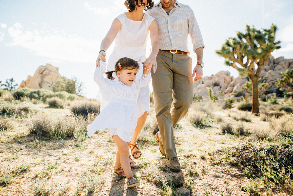 joshua-tree_california_family-session_nicki-sebastian-photography-59.jpg