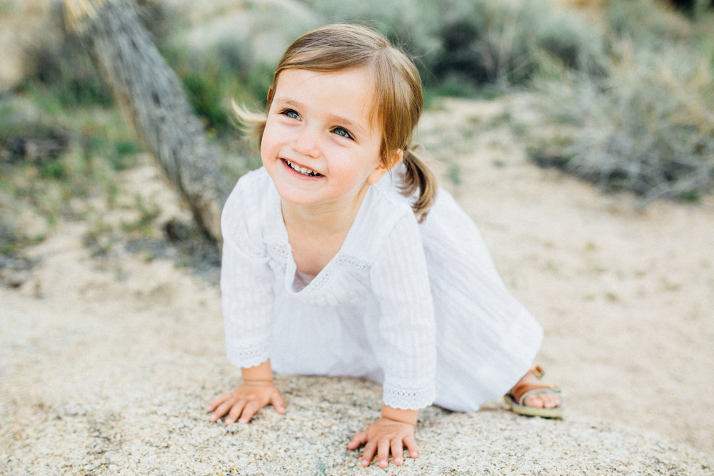 joshua-tree_california_family-session_nicki-sebastian-photography-205.jpg