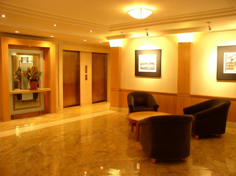 Lobby 051.jpg