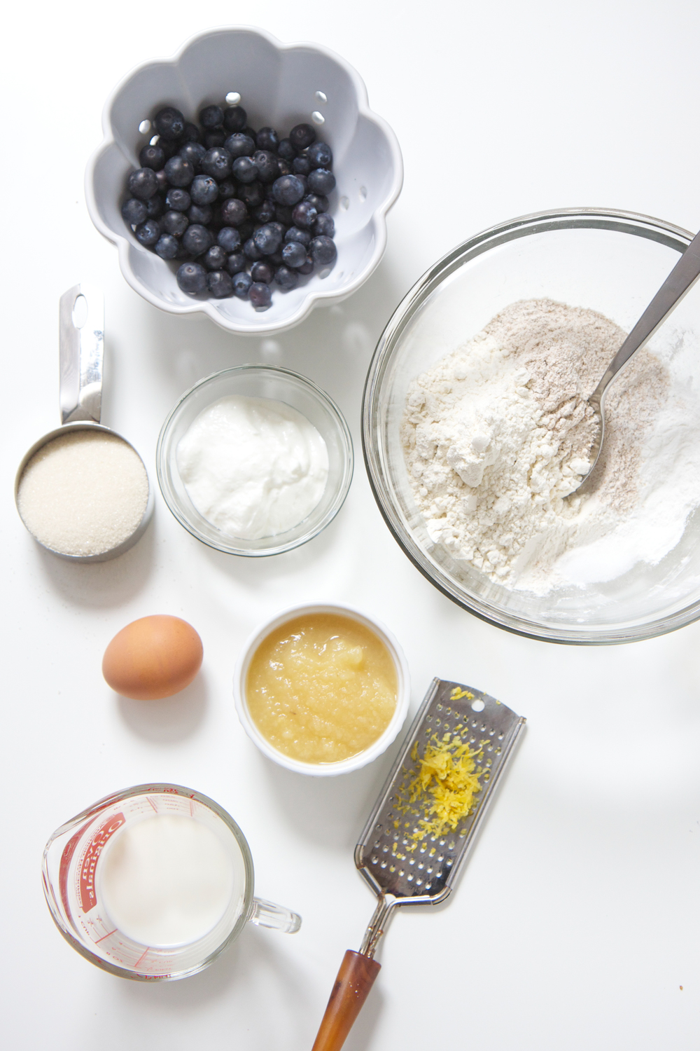 These healthy blueberry and lemon muffins are the perfect summer breakfast, snack or even a treat for your toddler or big kid! They're easy, delicious, healthy, and most importantly completely make ahead. Summer break breakfast winning! #muffins #toddlers