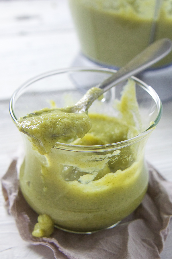 This Broccoli + Asparagus Puree, or Super Green Power Puree as I like to call it, is filled with 3 different green vegetables and rounded out with a touch of pear sweetness and refreshing tarragon. This baby food puree is done in a snap and is a must make puree for any baby (or toddler)! #babies #babyfoodrecipe