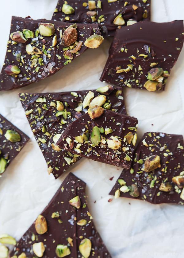 3-ingredient-Salted-Pistachio-Chocolate-Bark-5.jpg