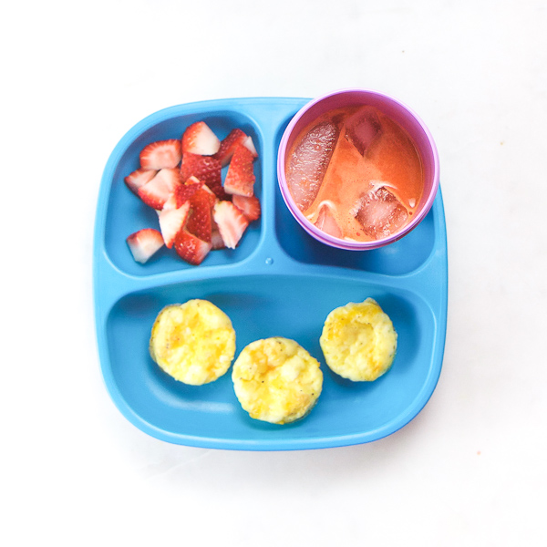 A true look at What My Toddler Eats in a Week. 20 healthy and fun meals to get ideas for your own little one. Also included are links to recipes, advice on how to deal with picky eaters and my tried-and-true methods on how to make healthy meals without losing your mind! Get all the ideas and inspiration you need for healthy meals and treats for your toddler! #toddler #snacks #toddlerfood #parentingtips