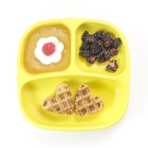 You'll love these 8 Healthy Toddler Breakfasts ideas! They're fast, easy, and healthy, filled with protein, fiber and other essential vitamins and minerals for growing toddlers! These healthy breakfast ideas will keep your toddler happy and healthy! #breakfast #toddler #healthy #recipes #onthego
