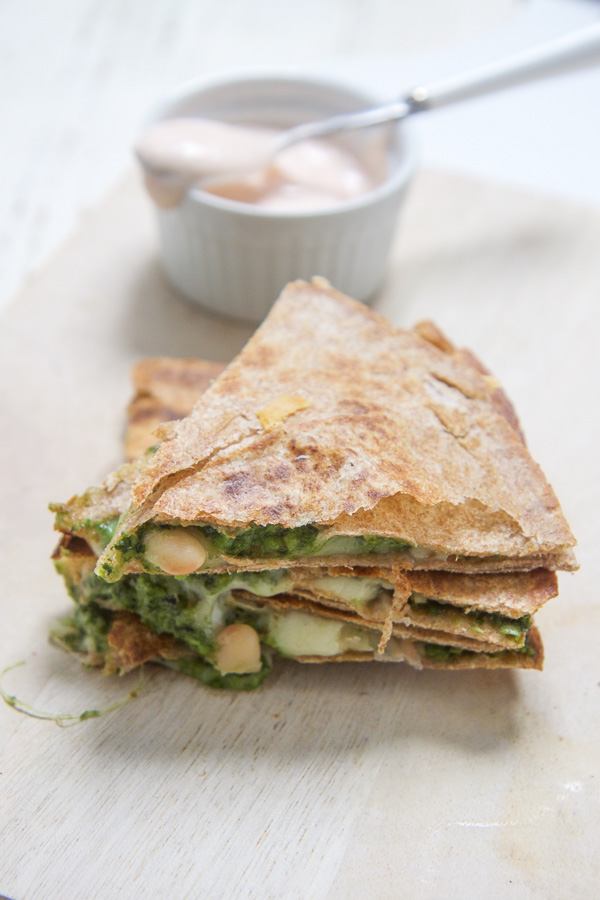 kale+spinach+apple+quesadilla+-+babyfoode.jpg