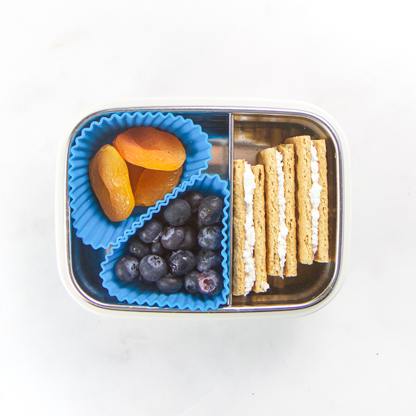 14_Toddler_Snacks_On_The_Go-11.jpg