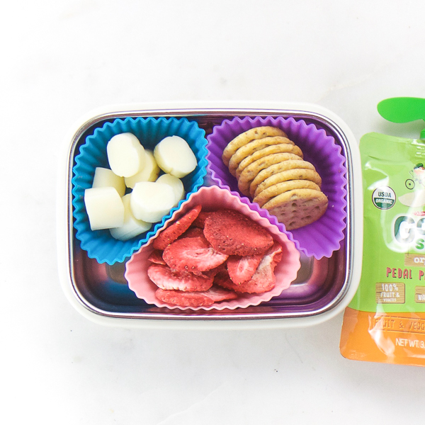 14 On-The-Go Toddler Snacks that are easy, healthy and delicious! If you have a toddler and need some snack ideas, look no further. These 14 snack box ideas are perfect for lunch, travel, road trips, and more! #onthego #homemade #healthy #kids #toddlers #snacks