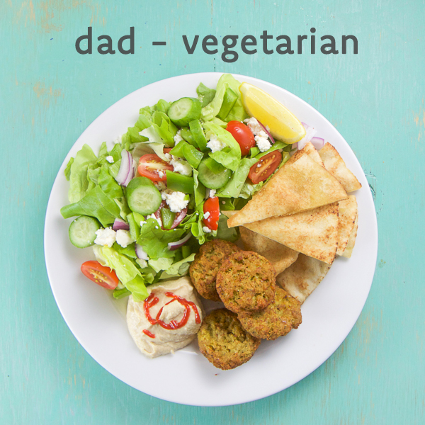 You'll love this customizable family friendly dinner platter with greek chicken, vegetarian falafel patties, lemon hummus, and baked pita chips. This healthy 30-minute meal is kid friendly, fun, and easy. Perfect for picky eaters, healthy choices, and a stress free weeknight dinner that every member of the family will look forward to! #kidfriendly #dinner