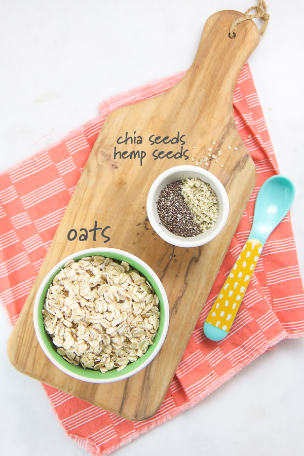 This Oatmeal Baby Cereal is filled with both Omega-3s and Antioxidants and is a great beginner baby cereal for any age. This quick and easy homemade baby cereal has only 3 ingredients and takes just 5 minutes to make! #oatmeal #baby