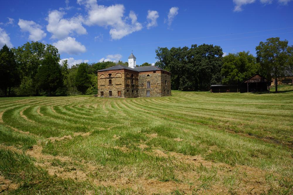 dudley's barn.jpg