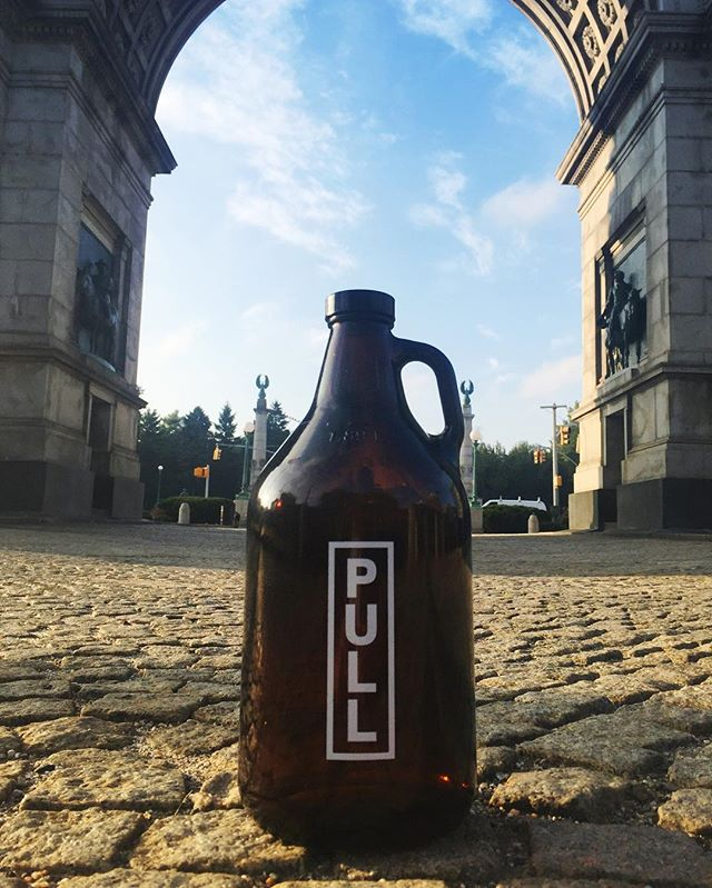 Growlers are coming to Grand Army –THIS Saturday! PULL is pouring all day (10/1) so stop by the NYS Beer and Spirits Pop-up at the GAP @grownyc Greenmarket. We're hauling out the flight case for fresh, counter pressure fills of Bradley Farmhouse, Pale Ale, The Professor, and Sour Outage; so BYOG and fill up for $20. (Need one? We can do that, too.) We can't wait to see you, Brooklyn! 8am-4pm #farmbrewing #grangerway #brewny #drinkny #grandarmyplaza #prospectpark #brooklyn #neighbors #greenmarket #finally