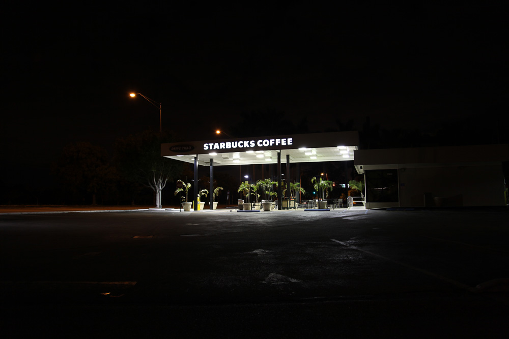 starbucks by night 8371