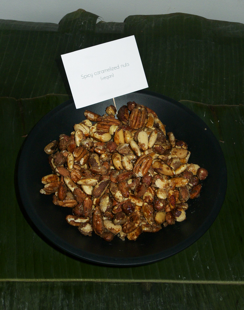 Spicy caramelized nuts