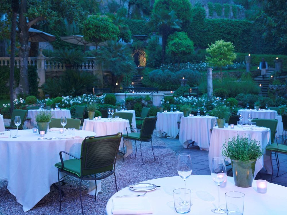 APERITIVO | JARDIN DE RUSSIE >    A BEAUTIFUL GARDEN, GREAT FOR AN EVENING COCKTAIL.